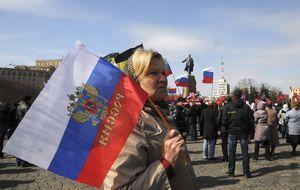 El primer ministro ruso visita Crimea por primera vez desde la anexión