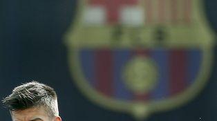 El silencio de Messi, la voz de Piqué