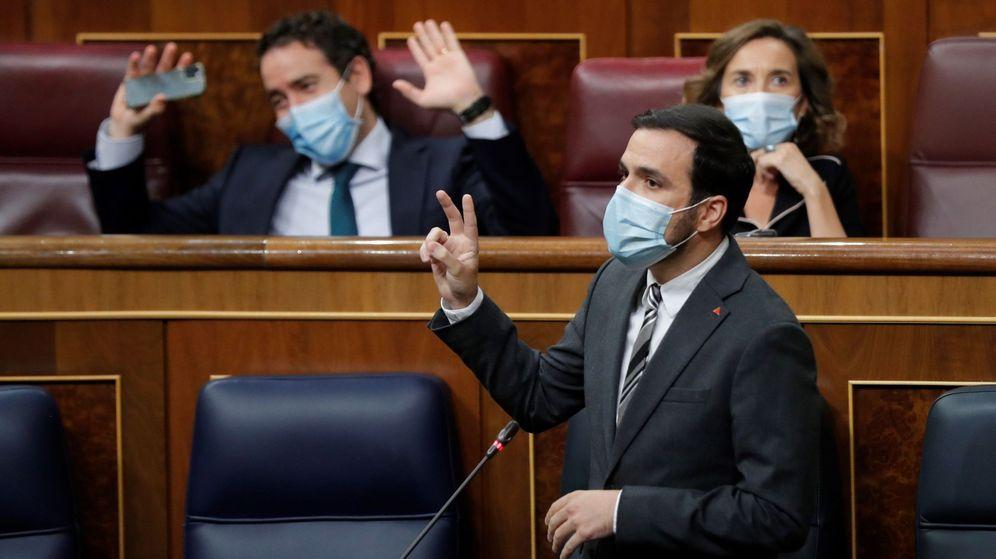 Foto: El ministro de Consumo, Alberto Garzón, durante su intervención en la sesión de control al Ejecutivo. (EFE)