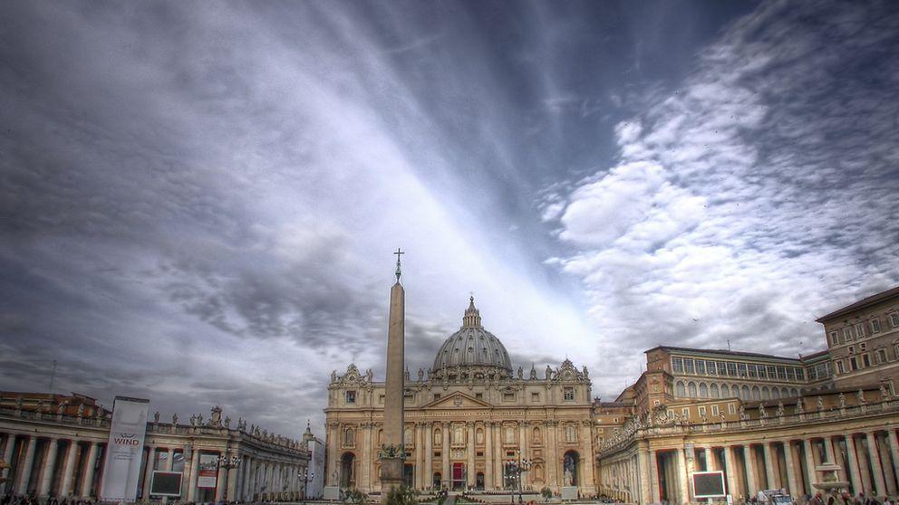 Lucha en Vaticano: los cardenales, en contra del nuevo secretario