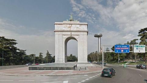 El comisionado propone una lista de  cárceles y cambiar el Arco de la Victoria