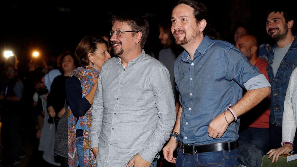 Foto: Pablo Iglesias junto a Xavier Domènech. (EFE)