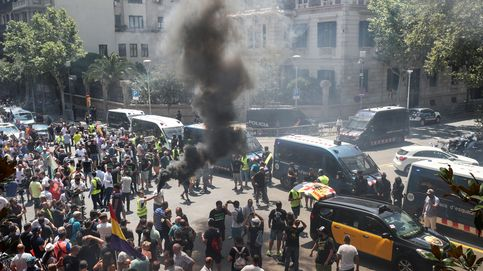 Los Mossos investigan un posible disparo de bala a un Cabify en la protesta de taxis