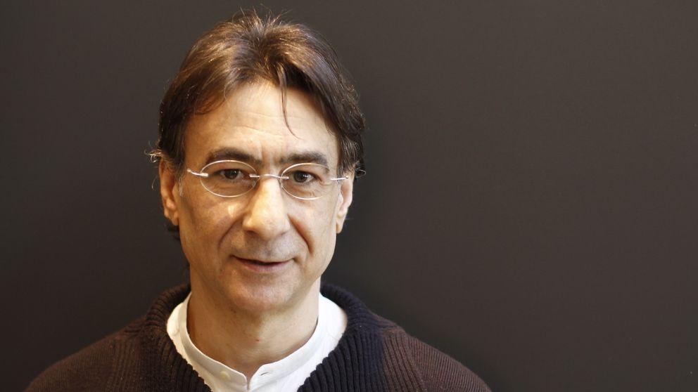 López Alba: Los periodistas sucumbimos al brillo del dinero y las candilejas