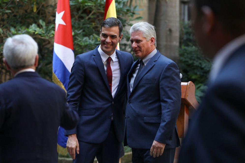 Foto: Pedro Sánchez y el presidente cubano, Miguel Díaz-Canel, este 23 de noviembre por La Habana Vieja. (Reuters)