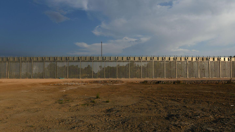 Vista de la valla construida contrarreloj en la frontera con Turquía. (Reuters)