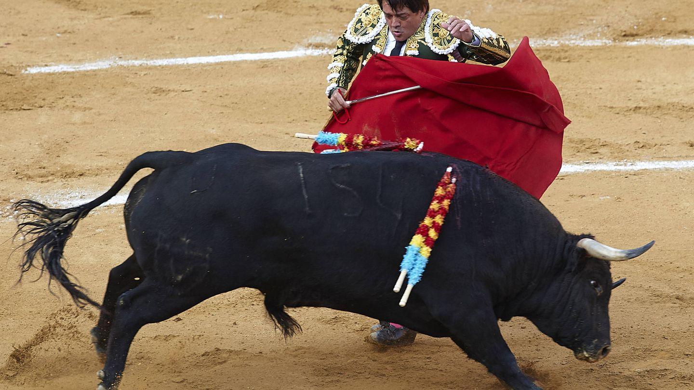 El diestro, toreando en Valencia. (Getty)