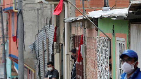 ¿Por qué se cuelgan trapos rojos en algunas casas de Sudamérica durante la cuarentena?