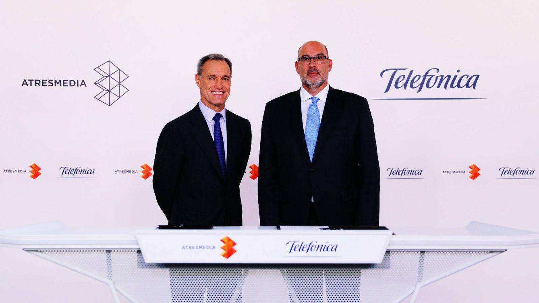 Foto:  Silvio González, CEO de Atresmedia, y Emilio Gayo, presidente de Telefónica España