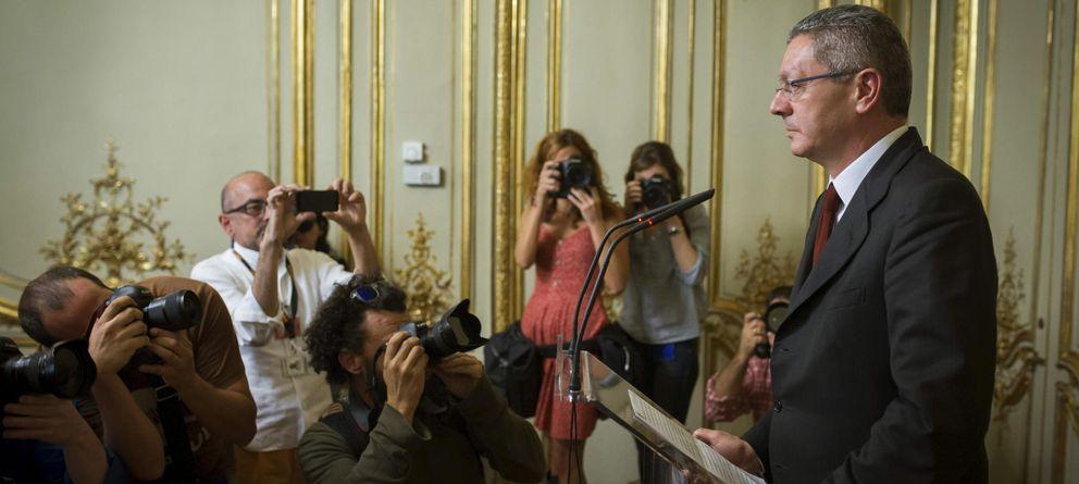 Foto: El exministro Alberto Ruiz-Gallardón, durante la rueda de prensa en la que anunció su dimisión. (Efe)