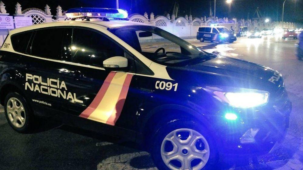 Foto: Imagen de archivo de un vehículo de la Policía Nacional en Alicante. (@policia)