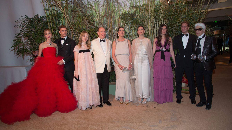 Foto: Varios miembros de la familia Grimaldi en el Baile de la Rosa (Gtres)