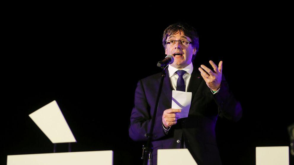 Puigdemont busca cómo validar el fiasco del 1-O para declarar la independencia