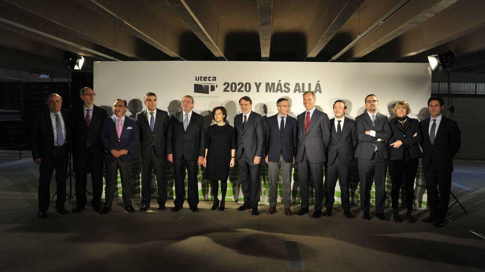 Foto: Los miembros de Uteca, junto a la vicepresidenta Soraya Sáenz de Santamaría. (EC)