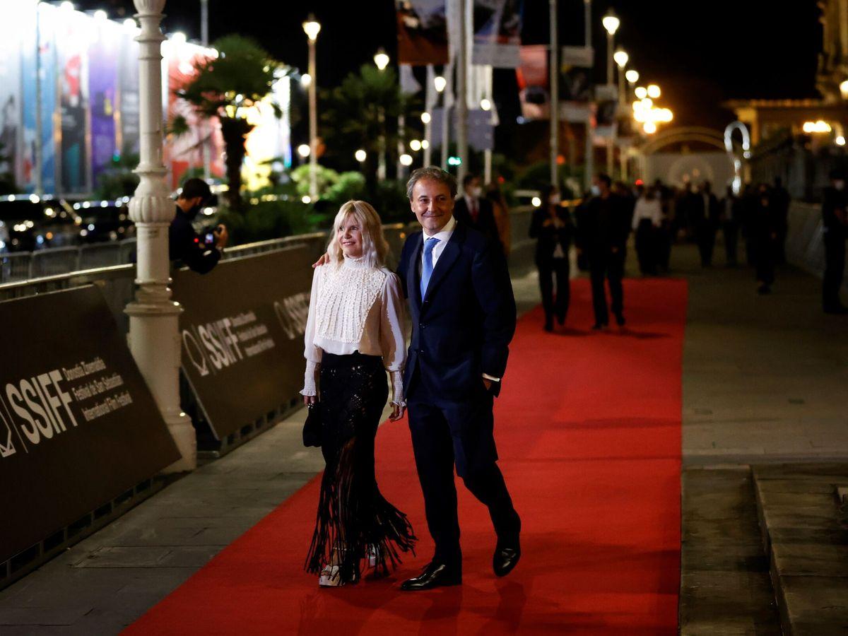 Foto: Eugenia Martínez de Irujo y su marido, Narcís Rebollo, en el Festival de San Sebastián esta semana. (EFE)
