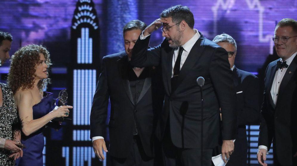 Foto: Actores de 'The Bands Visit' reciben un galardón de los Premios Tony | Reuters