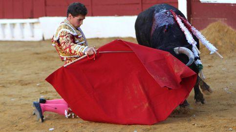 Dieciséis heridos, entre ellos un bebé, al escaparse una vaquilla en un festejo taurino