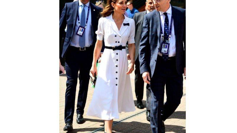 Kate Middleton con el vestido que llevó el segundo día de Wimbledon 2019. (Getty)