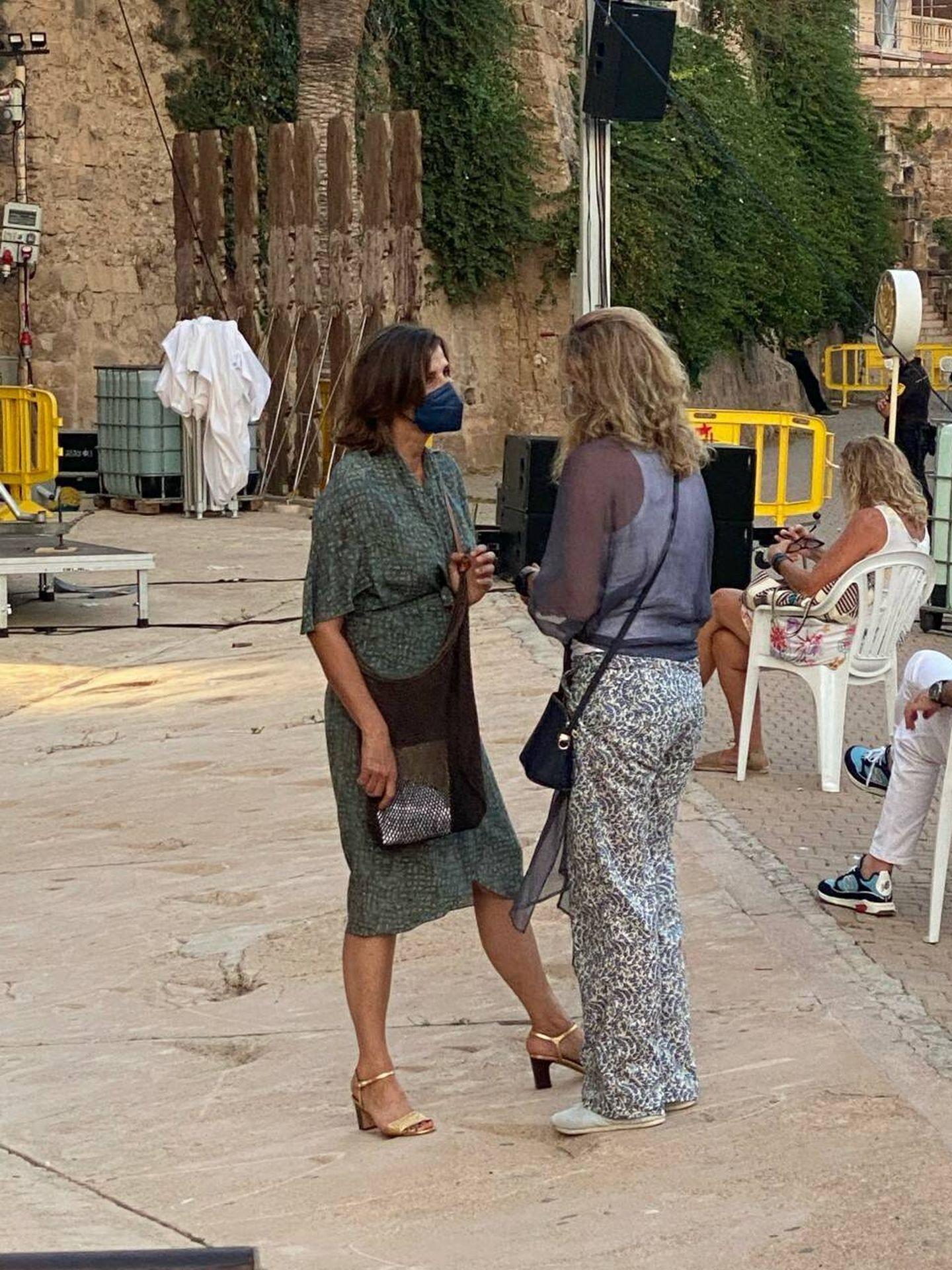 Rosario Nadal y Katherine Butler, antes del concierto. (Vanitatis)