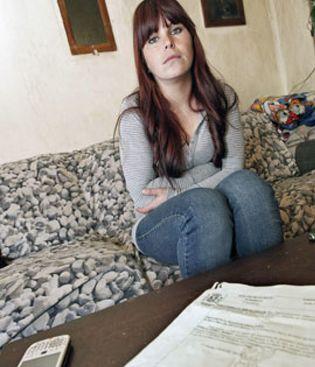 Foto: El Gobierno indulta a la madre que usó una tarjeta de crédito ajena