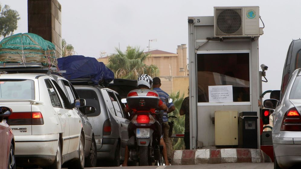 Foto: Paso fronterizo de vehículos entre Melilla y Marruecos. (EFE)