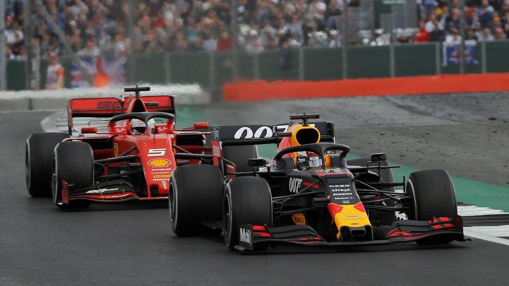 Foto: Max Verstappen, por delante de Ferrari. (EFE)