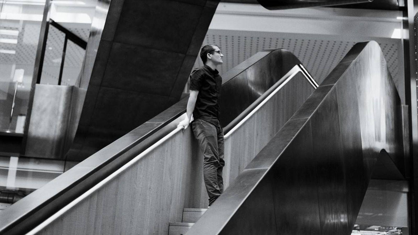 Foto: Oriol Vinyals, investigador de inteligencia artificial en Google DeepMind. (Foto: MIT Technology Review)