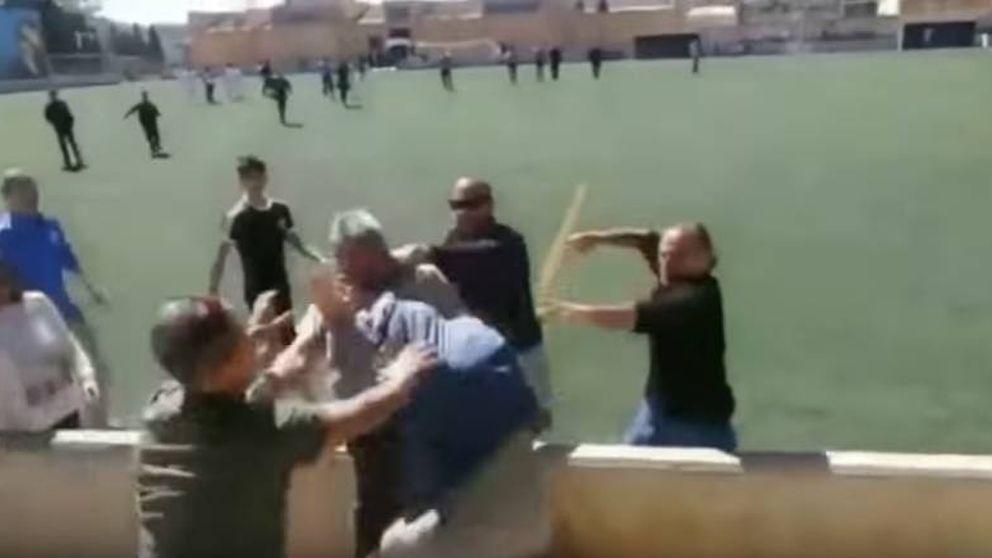Brutal pelea entre un grupo de padres en un partido de fútbol infantil en Mallorca