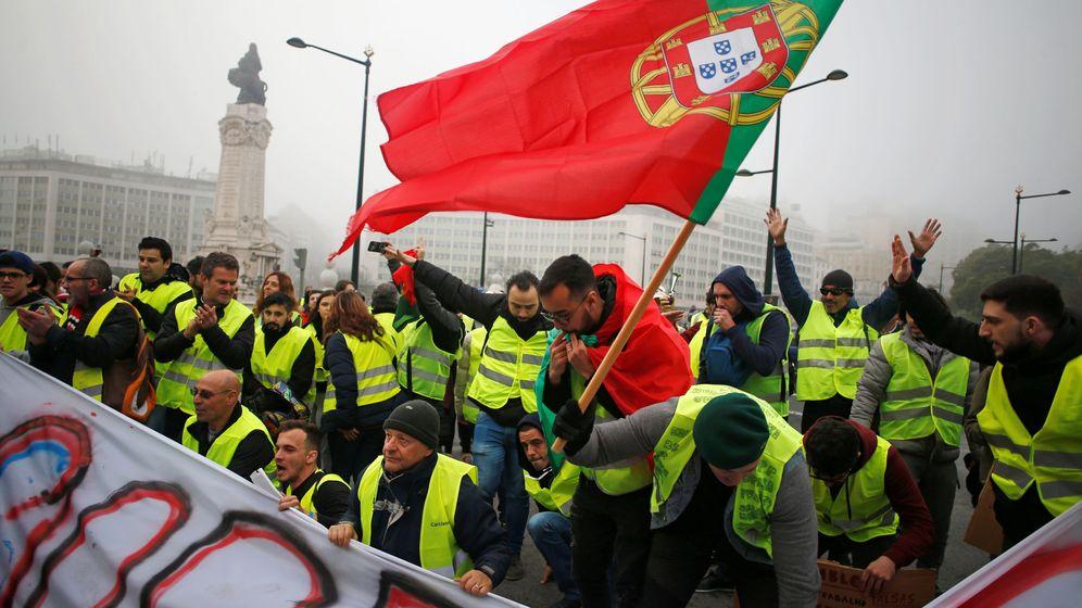Foto: Apenas unas decenas de manifestantes en las protestas de los chalecos amarillos en Lisboa, el 21 de diciembre de 2018. (Reuters)