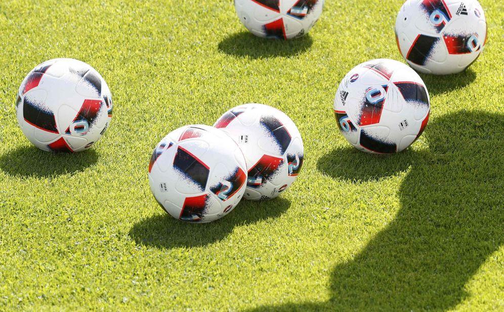 Foto: El mundo del fútbol sigue estando en el foco de Cristóbal Montoro. (Reuters)