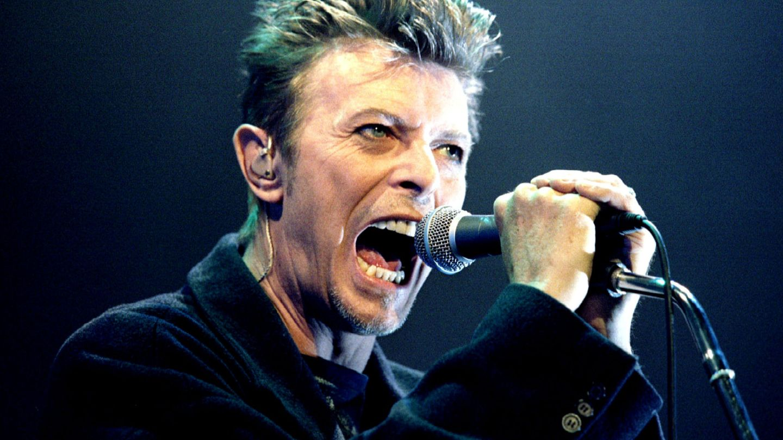 Bowie en concierto en 1996. (Reuters)