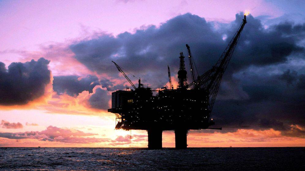 Foto: El barril de crudo de la OPEP cotizó este viernes a su precio más bajo desde el 6 de noviembre de 2003. (EFE)