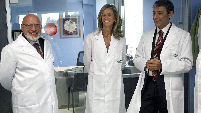 A la izquierda, el director general de Oryzon, Carlos Buesa. (EFE)