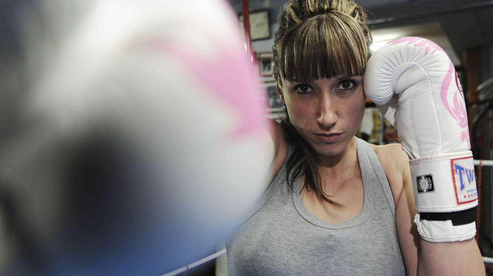 Foto: Yohanna Alonso es guardia civil y campeona mundial de muay thai. (EFE)