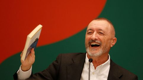 Arturo Pérez-Reverte atiza al Barça a cuenta de Franco: Que le echen cojones