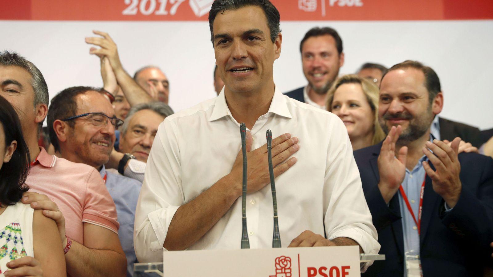 Foto: Pedro Sánchez comparece en Ferraz. (EFE)