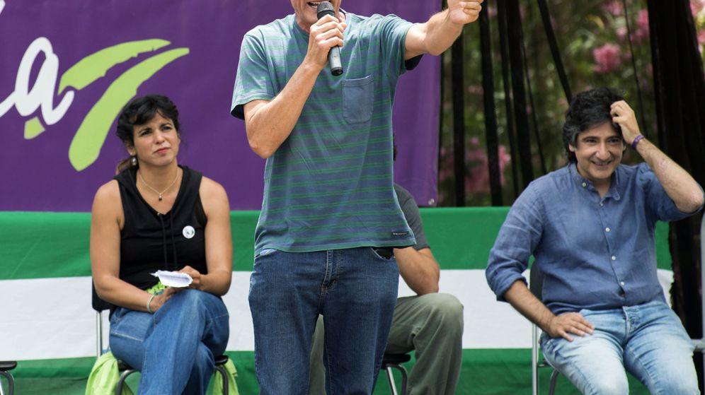 Foto: El líder sindicalista y número uno en las listas por Jaén de Unidos Podemos, Diego Cañamero (c). (EFE)