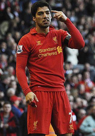 Foto: Luis Suárez, el nuevo 'bad boy' de la Premier: el Liverpool le avisa de que está en la cuerda floja