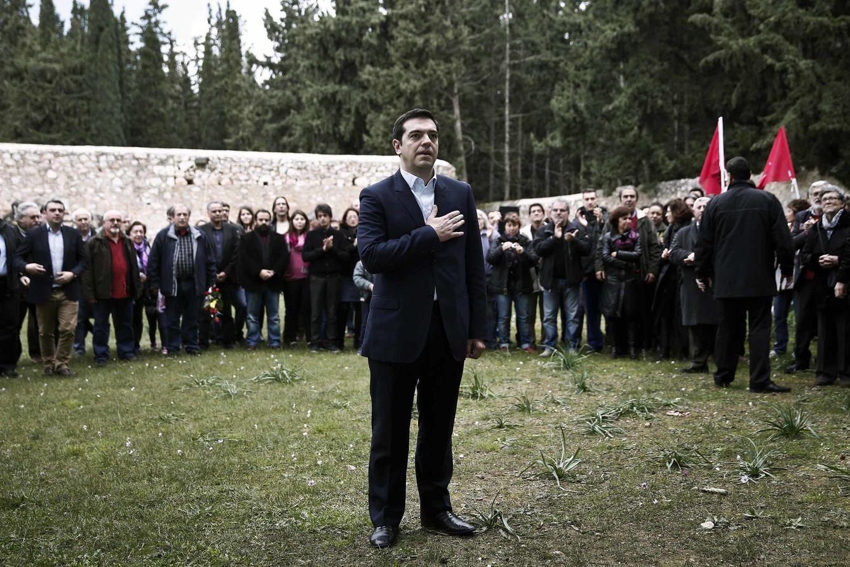 Foto: Alexis Tsipras, horas después de ser elegido primer ministro en enero, durante un homenaje a la resistencia griega contra la ocupación nazi, en Atenas (Reuters).