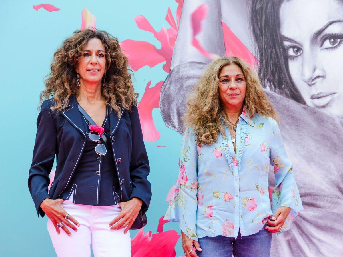 Foto: Rosario y Lola Flores, en Vitoria. (EFE)