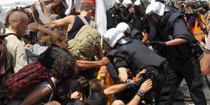 Foto: Los antisistema y okupas ponen en peligro el movimiento 15-M de Barcelona