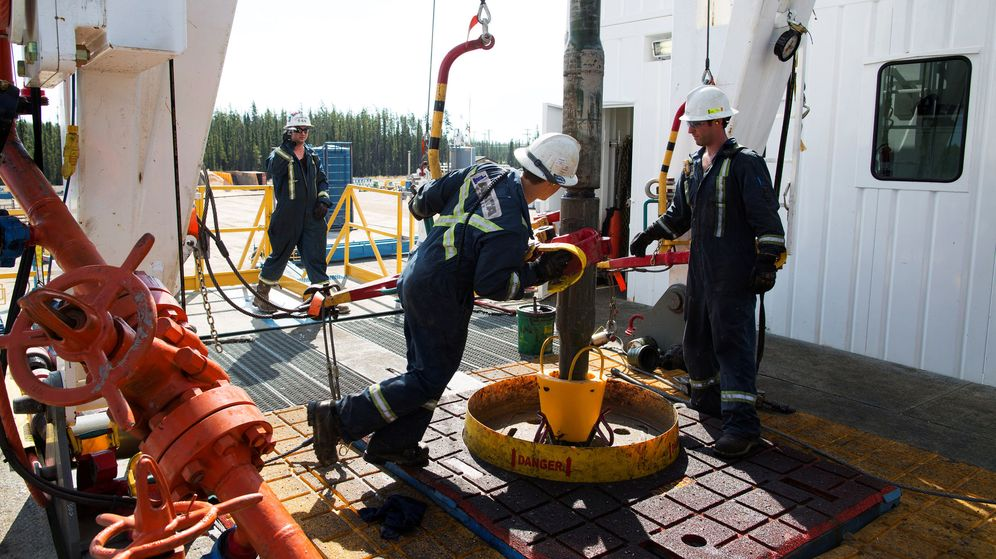 Foto: Trabajadores de una plataforma petrolífera (Reuters)