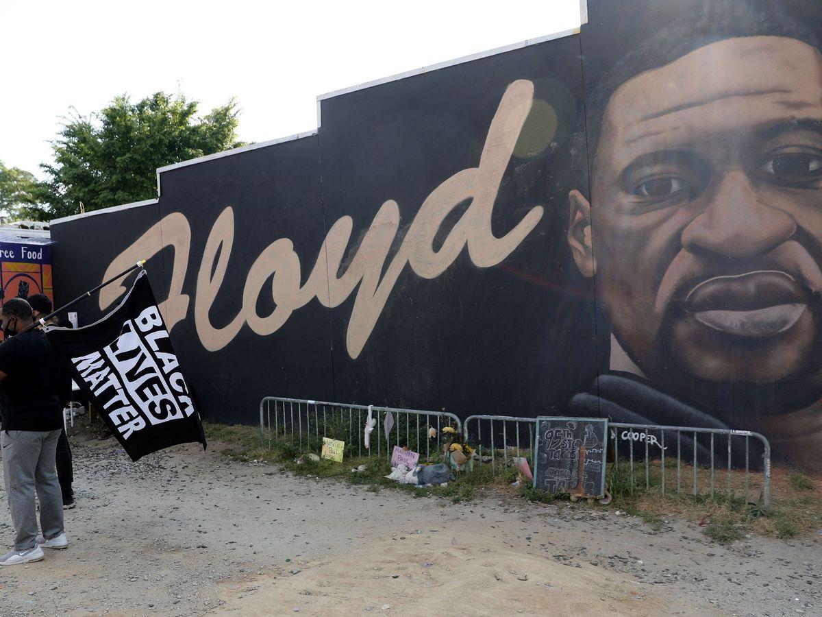 Foto: Imagen de archivo que muestra el mural de George Floyd en Atlanta (EEUU). (EFE)