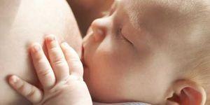 Las mujeres con mayor nivel social y educativo alargan más el periodo de lactancia