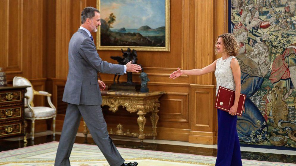 Foto: Felipe VI recibe a la presidenta del Congreso el pasado julio en Zarzuela. (EFE)