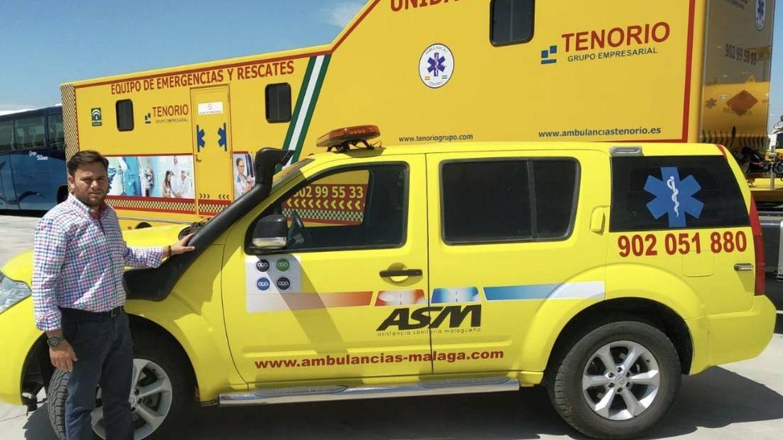 Foto: Cristian Tenorio, director general, con vehículos de la empresa recién adquirida. (Tenorio)
