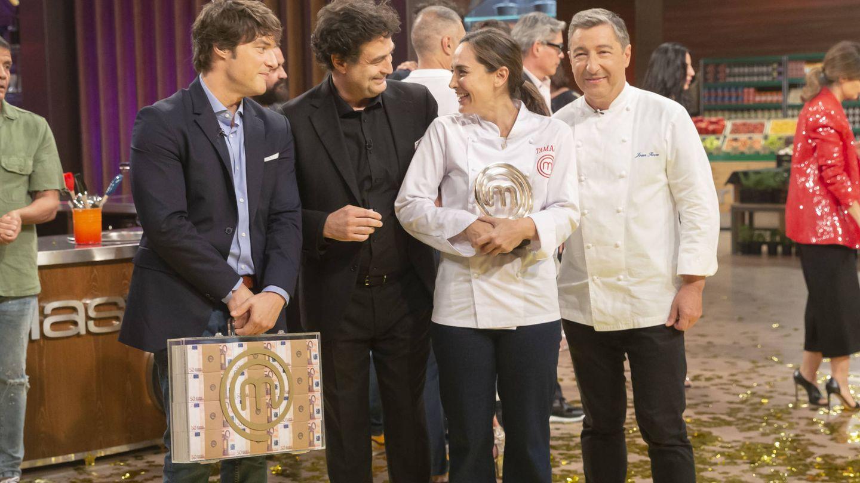 Tamara Falcó, junto a Jordi y Pepe Rodríguez. (TVE)