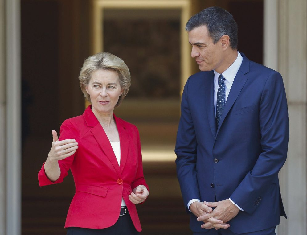 Foto: Pedro Sánchez, con la presidenta electa de la Comisión Europea, Ursula von der Leyen, este 31 de julio en la Moncloa. (EFE)
