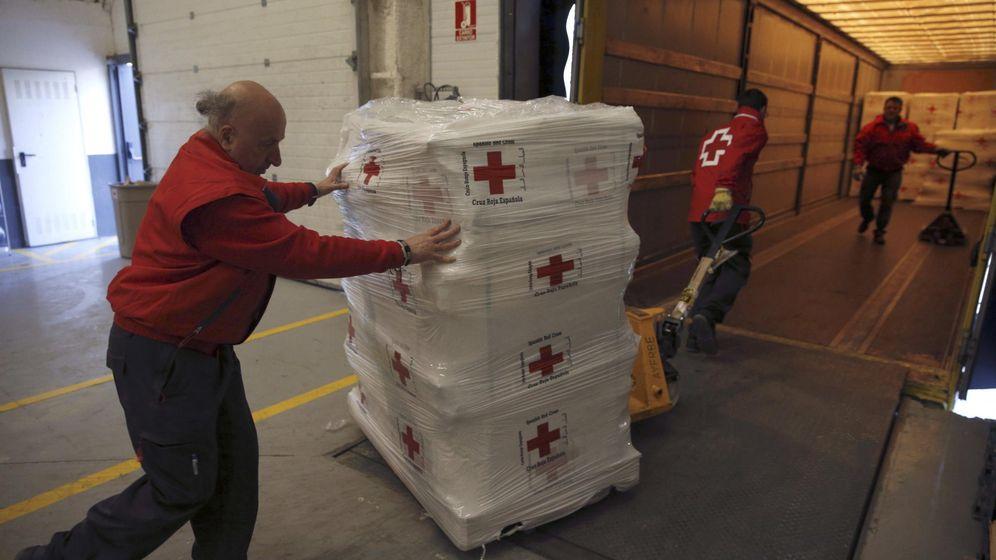Foto: Trabajadores de Cruz Roja. (EFE)