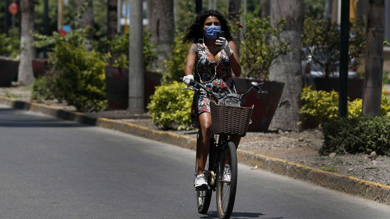 Foto: El adiós al coche, principal medida de ahorro de emisiones. Foto:EFE Paolo Aguilar